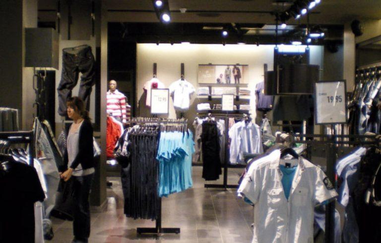 Vilamarina Shopping Centre